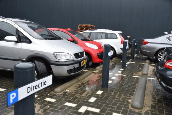 aanrijdbeveiliging-nederland-parkeerborden-thermish-verzinkt-huisstijl-4